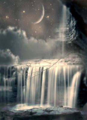 Cascade et lune