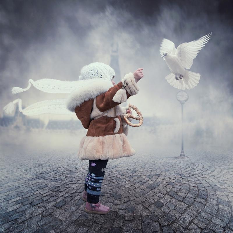 Enfant et colombe