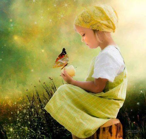 Enfant pomme papillon