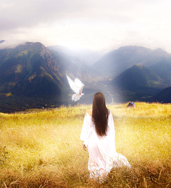 Femme colombe montagne