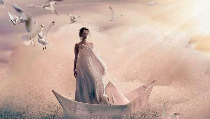 Femme dans bateau
