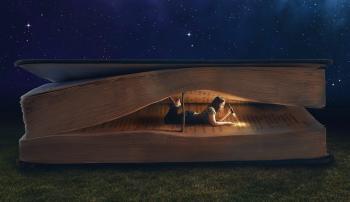 Femme dans livre