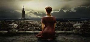 Femme regardant ville