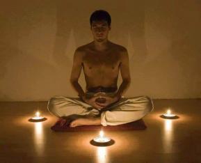 Homme medit