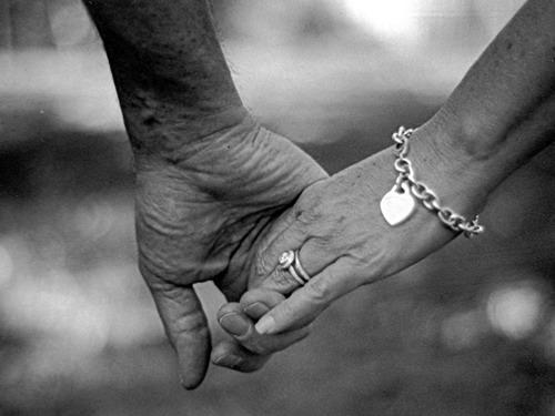 Main dans la main nb