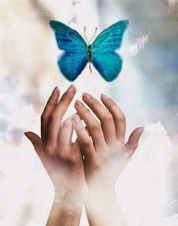 Mains papillon